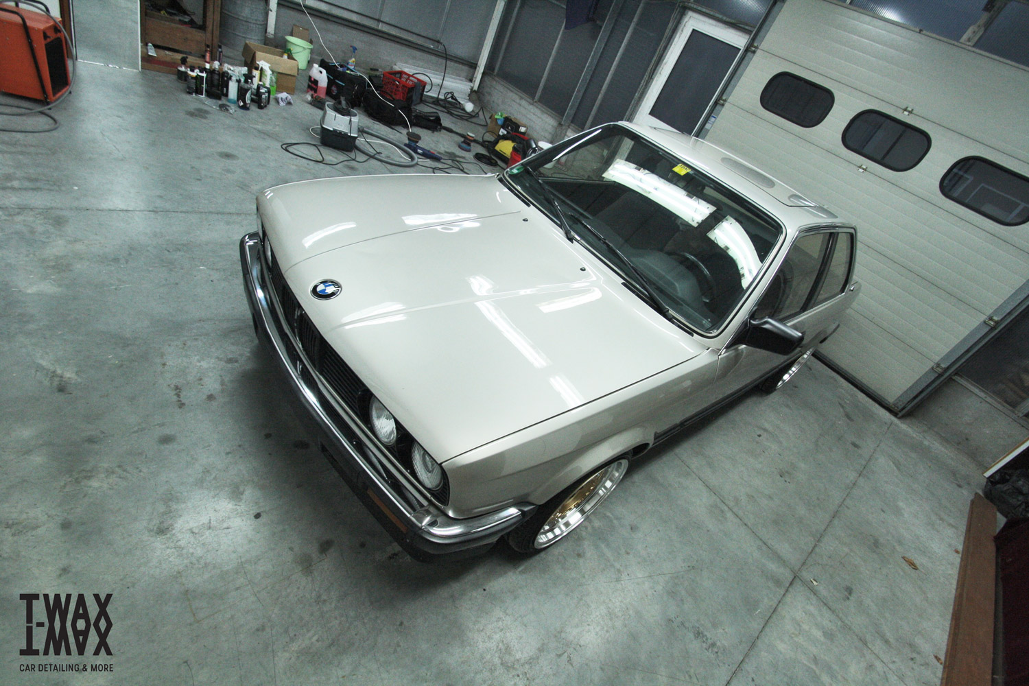BMW E30 325i Detailed by T-WAX.be